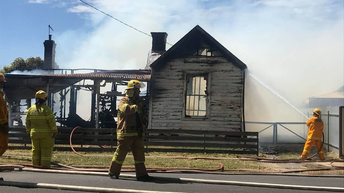 UPDATE: Fire ravages Stawell home, house next door saved