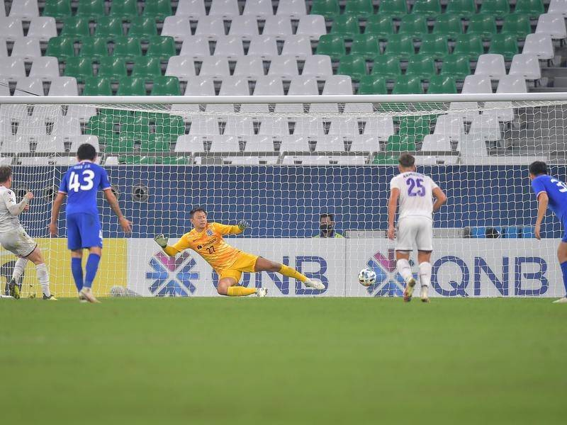 Neil Kilkenny scored a penalty to give Perth Glory a tie against Shanghai Shenhua.