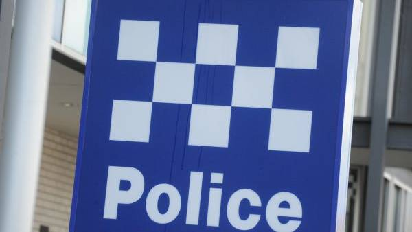 Armed offenders rob Ararat home